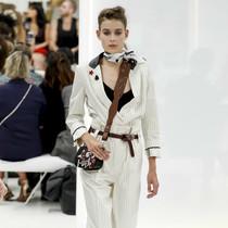 超越规则 - 对现代女性的三组时装研究