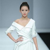 X.LANDO 梦阳 梦想开始的第一场秀 张予曦白色礼服美爆了