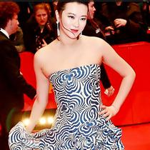 黄璐身穿Ralph Lauren 2016春夏系列礼服出席柏林国际电影节闭幕式