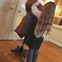 贝克汉姆家的小七 给我们上了一堂时尚发型课