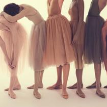 Christian Louboutin 的裸肌魅力 找到属于自己的裸色系列