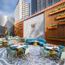 秘密花园燃情烧烤 北京长安街W酒店标帜餐厅今夏炫酷呈现