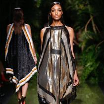 #Suzy巴黎时装周  Balmain:走向乡村