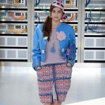 #Suzy巴黎时装周 Chanel:亲密科技