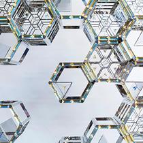 施华洛世奇携晶莹万花筒首度闪耀迪拜设计周  呈现特别委托装置艺术暨Atelier Swarovski Home隆重揭幕