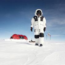 盟可睐MONCLER继续携手MICHELE PONTRANDOLFO南极独旅再度启程