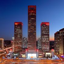 暖心圣诞 in你特别 北京银泰中心in01邀您置身红色礼盒开启暖心圣诞