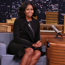 米歇尔·奥巴马身着Givenchy by Riccardo Tisci 参加美国脱口秀栏目 - 肥伦今夜秀