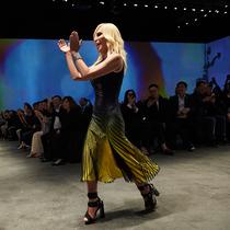 VOGUE独家专访Donatella Versace -设计师聚焦