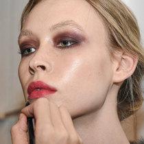 为什么你的唇妆总是不持久?因为你没做这几步