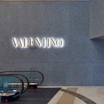 VALENTINO 庆祝香港利园全新旗舰店正式开幕