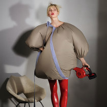 Karlie Kloss:奇异廓形