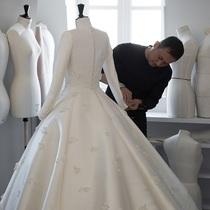 澳洲超模米兰达·可儿(Miranda Kerr) 身着Dior迪奥高级订制婚纱举办婚礼