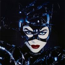 她是史上最撩人的猫女,24岁惊艳亮相,59岁依旧迷人-本周最佳着装/最差着装