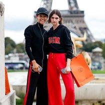 穿着舒适的运动裤就能美美的出门-时尚街拍