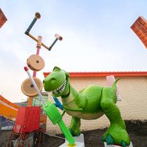 """抱抱龙和特蕾西入住上海迪士尼乐园""""迪士尼·皮克斯玩具总动园""""中-生活资讯"""