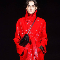 #SuzyPFW: Balenciaga: Shapes That Count Past 100-Suzy Menkes專欄