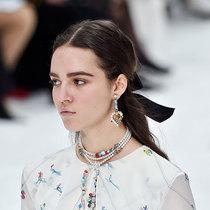 巴黎时装周5大发型和妆容趋势-彩妆