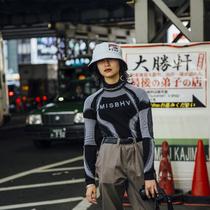 来自2019秋冬东京时装周的街拍-时尚街拍