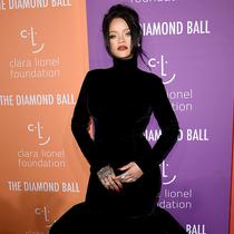 蕾哈娜 (Rihanna) 身着Givenchy Haute Couture 出席第五届钻石舞会 (5th Annual Diamond Ball)-品牌新闻