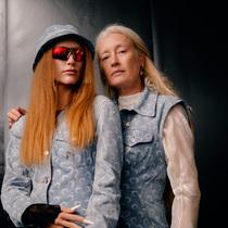 """""""在設計的美好性上絕不可妥協"""":關于舊物利用路線的2020春夏系列-時尚圈"""