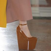 2021春夏高定周8款亮眼的鞋子-趨勢報告