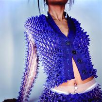 采訪SZA和Doja Cat最愛的前衛針織設計師Chet Lo-設計師聚焦