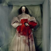Alexander McQueen2021秋冬系列,Sarah Burton的靈感源自花期很短的花卉-趨勢報告