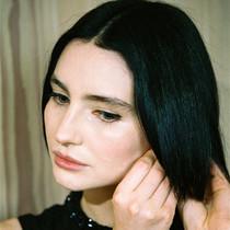 模特 Meadow Walker 關于美、自我護理和齊發尾波波頭的故事-超模檔案