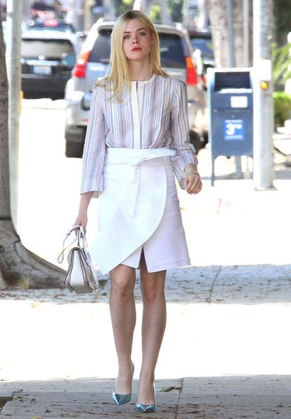 衬衫搭配半截裙图片