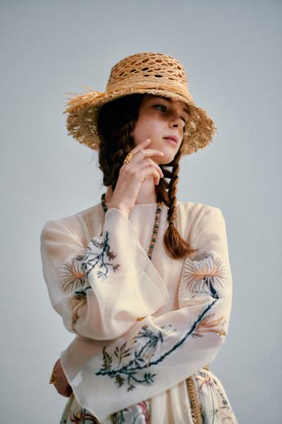 瑪麗亞?嘉茜婭?蔻麗——Dior 2020 春夏系列背后來源于花草的設計靈感