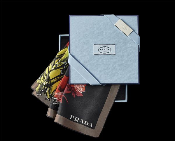 Prada Foulard系列