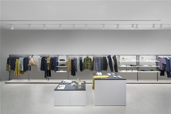 COS全球首间男装专门店现已于北京三里屯开幕 全新发布AW18男装系列