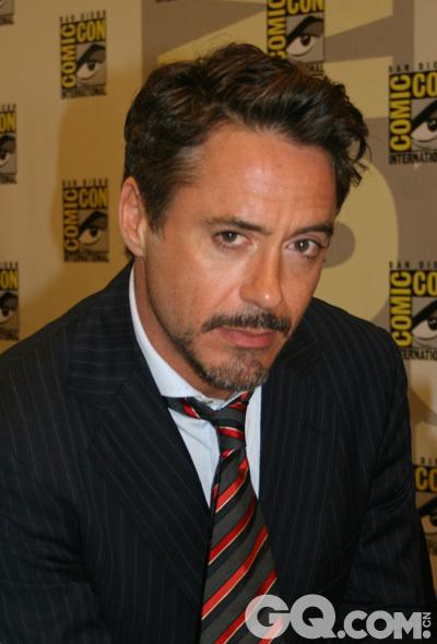 这位迷人的钢铁侠本尊,帅到爆不解释。