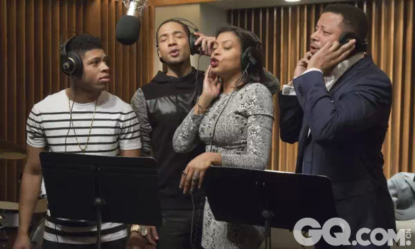 这部嘻哈音乐剧中的音乐从剧里红到剧外。它们并非《欢乐合唱团》(Glee)式的群声合唱,而是有板有眼的录音棚巨制和说唱斗赛——超级制作人Timbaland更是操刀该剧的音乐创作,而试播剧集中也包括12首原唱歌曲。