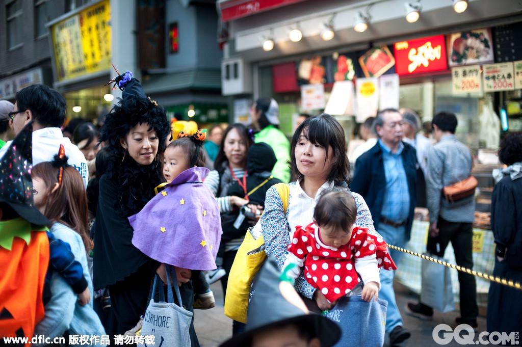 Kichijoji吉祥寺是东京西北郊的一个生活中心,它的位置大概相当于北京的五环。在吉祥寺生活中心这里,有的是连锁商场和专卖店,而且规模都很大。闲暇的时候,逛一逛吉祥寺附近的小店,也是很不错的。
