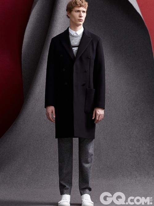 Solid Homme 2015秋冬将于2015 七月在韩国,香港和英国陆续发售。