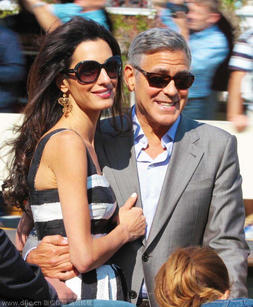 当地时间2014年9月26日,意大利威尼斯,乔治-克鲁尼与准老婆抵达威尼斯。