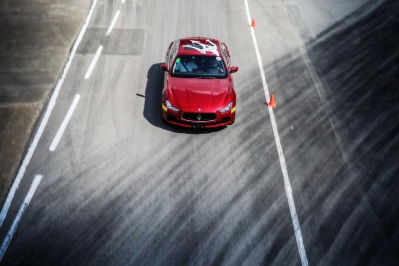 继2013年成功推出第六代Quattroporte总裁轿车和全新Ghibli轿车以及2014年品牌百年庆典后,今年是品牌的积淀之年,玛莎拉蒂致力于为中国消费者提供卓越产品的同时,完善和优化与经销商合作伙伴的运营体系,不断提升服务质量和全方位客户体验,确保中国业务的稳定增长,为来年创造下一个辉煌奠定坚实基础。