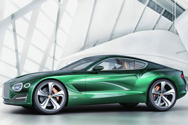 宾利EXP 10 Speed 6概念车的整体造型非常动感,采用了双门Coupe的造型风格。新车前脸采用了大尺寸的格栅设计,格栅中浮现了数字6,其实这个设计是像经典的Speed 6概念车致敬。两侧的大灯看上去科技感十足,采用了LED光源,底部保险杠则采用了蜂窝状设计,也是突出了运动风格。新车内部则延续了宾利的豪华风格,大量采用棕色皮革装饰,方向盘、挡把以及出风口等还采用了镀铬装饰。新车采用双座布局,后方可以放置一些物品。动力方面,概念车搭载6.0L W12涡轮增压发动机,最大功率从575马力提升到590马力。峰值扭矩从700牛米提升到720牛米。