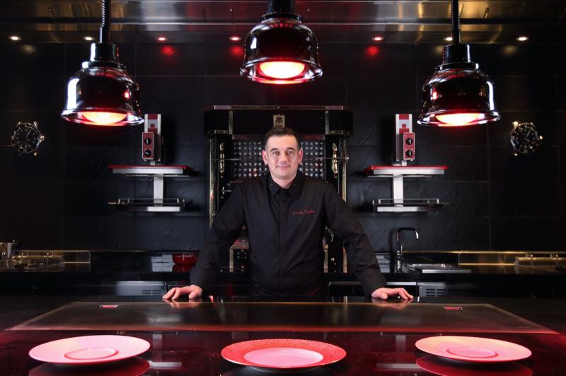 米其林指南摘星最多的厨师Joël Robuchon 在沪餐厅又摘两星