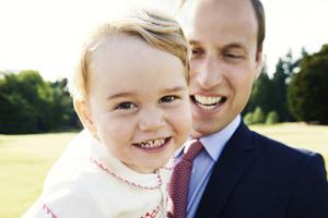 英国乔治王子庆两周岁生日 傲娇萌照大回顾