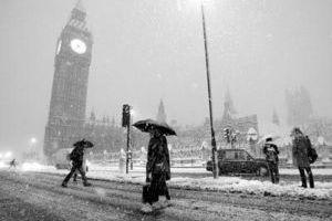在北方的寒夜里大雪纷飞
