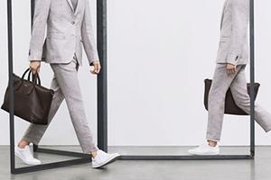 五款最大众搭西装的小白鞋