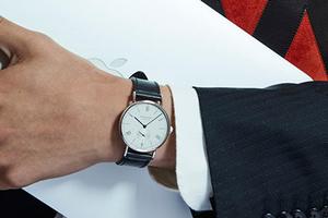 是时候升级你的办公室腕表了