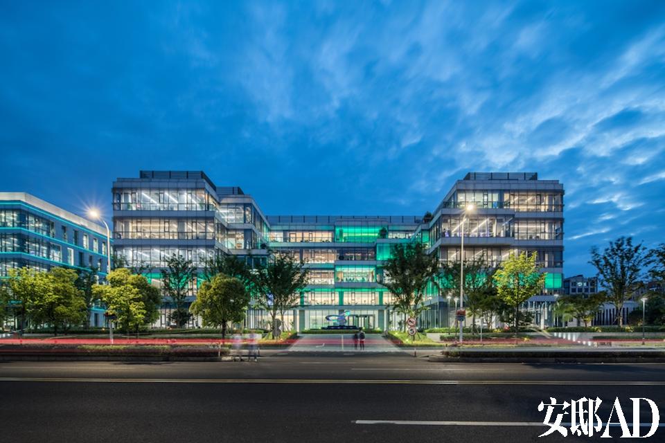 昕诺飞大中华区总部新办公楼正式投入使用